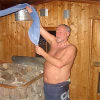 Gastaufguss in der Birkensauna in Haan